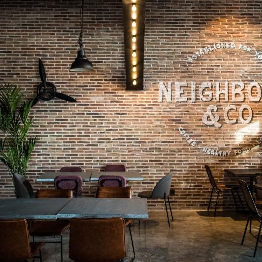 Interior de cafetería Neighbors & Co