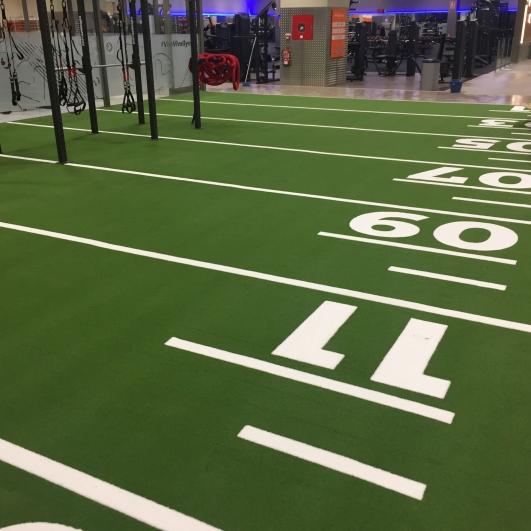 Detalle del suelo del interior del gimnasio